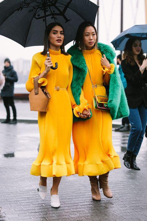 Street Style at New York Fashion Week Fall / Winter # fashion .
