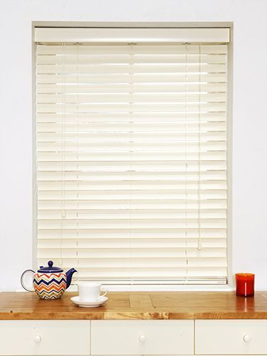 16 First Rate Roller Blinds Upcycle Ideas White Wooden Blinds Wooden Blinds Living Room Blinds