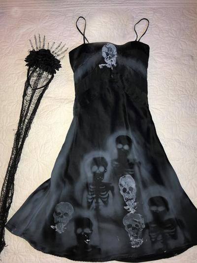 Day of the Dead corpse bride Costume dress unique Halloween Dia de los Muertos sugar skull dead Senorita wedding Grunge Style, Soft Grunge, Tokyo Street Fashion, Le Happy, Doc Martens, Grunge Outfits, Corpse Bride Costume, Punk Fashion, Fashion Outfits