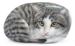 Sophie - acrylic on rock - 10 inches (sold) A new almost life-sized rock cat just finished! Doesn't it seem alive to you? Order today your pet portrait: www.robertorizzoart.net/pet-portraits-commissions/ #cat #cats #petportraits #paintedrocks #rockpainting #rockpaintingart #petlovers #handmade #art #fineart #artist #robertorizzo #paintedstones