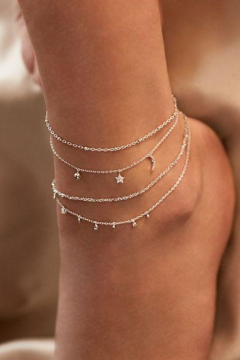 Rue Gembon Arielle Silber Fußkette Source by nila_harasaki bracelets Ankle Jewelry, Dainty Jewelry, Ankle Bracelets, Cute Jewelry, Vintage Jewelry, Women Jewelry, Fashion Jewelry, Silver Jewelry, Silver Rings