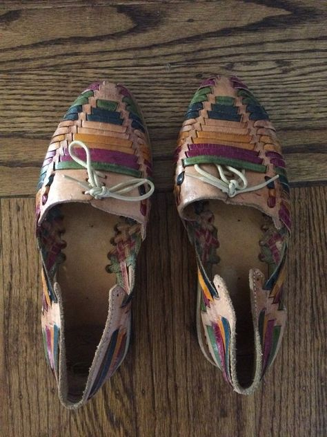3e85d6addd28 Adorable vintage women s 1980 s multi-colored leather huarache shoes. Size 6
