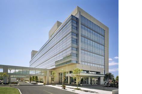 Queens Hospital Center Ambulatory Care Pavilion Perkins Eastman Healthcare Architecture Hospital Architecture Architecture