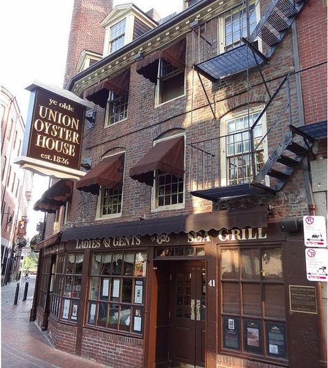 union oyster house in boston, massachusetts. oldest restaurant in the united states, obviously really good food. New England States, New England Travel, Oh The Places You'll Go, Places To Travel, Boston Travel, Boston Area, Boston Strong, Boston Massachusetts, Future Travel