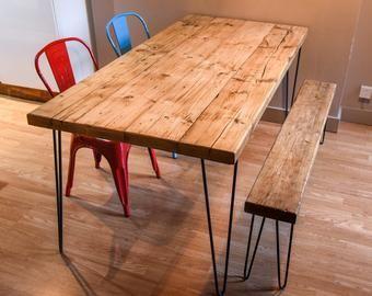 Ecktisch Fur Home Office Aus Altholz Und Haarnadelbeinen In 2020 Dining Table Rustic Shabby Chic Dining Tables Dining Table