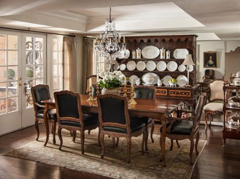This Well Appointed Dining Room Has A Continental Flair From The Oversized Antique Welsh Dresser To Table Plucked Flea Market In Paris