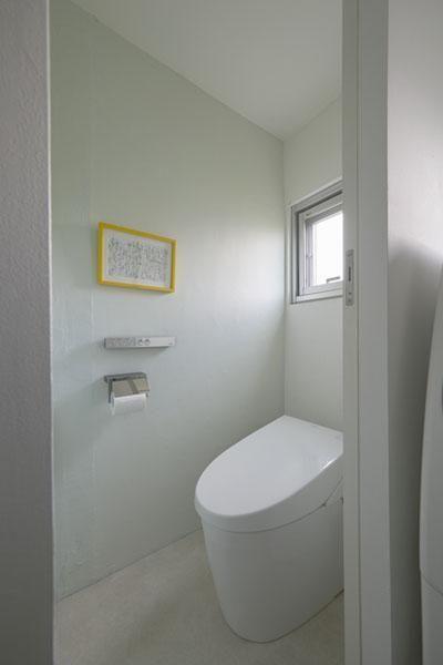 ホームズ 築43年の団地リノベーションを1200万円で大人のこだわり空間へ バスルームインテリア トイレ おしゃれ トイレ インテリア
