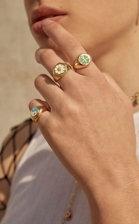 Gold-Plated Yin-Yang Signet Ring by Wilhelmina Garcia Gold Rings Jewelry, Boho Rings, Cute Jewelry, Jewelry Accessories, Pearl Rings, Funky Jewelry, Jewelry Model, Diamond Necklaces, Dainty Jewelry