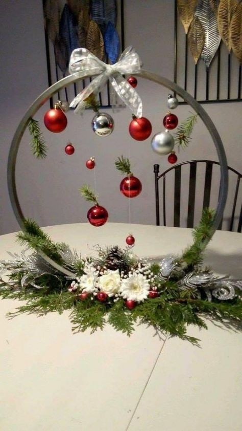 Christmas Table Decorations, Diy Christmas Ornaments, Homemade Christmas, Christmas Projects, Simple Christmas, Christmas Crafts, Christmas Gift Wrapping, Art Floral Noel, Deco Table Noel