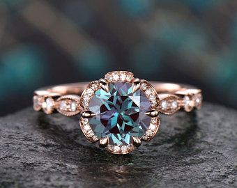 Alexandrite Ring For Women Vintage Unique Round Halo Cluster Moissanite Color Change Alexandrite Engagement Ring Rose Gold Wedding Gift Ring In 2020 Amethyst Wedding Rings Alexandrite Engagement Ring Alexandrite Ring