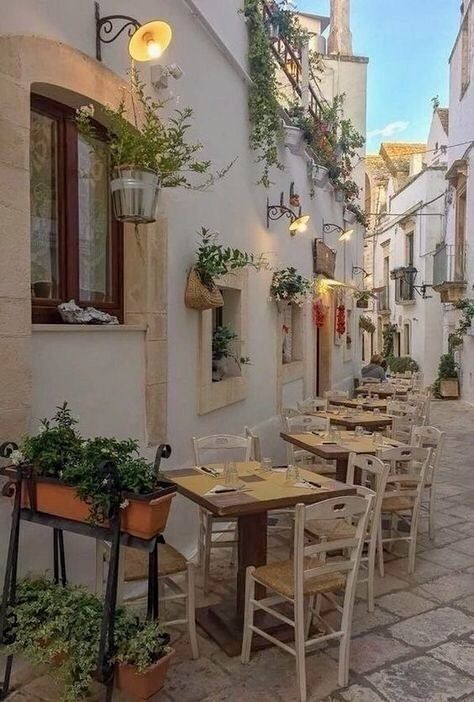 Summer Aesthetic, Travel Aesthetic, Places To Travel, Places To Go, Travel Destinations, Beautiful Places, Beautiful Pictures, European Summer, Puglia Italy