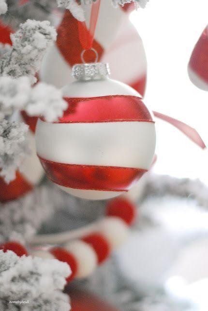 Decorazioni Natalizie Caramelle.Pin Di Giuliana Pili Su Navidad Alberi Di Natale Con Caramelle Colori Di Natale Casetta Di Natale