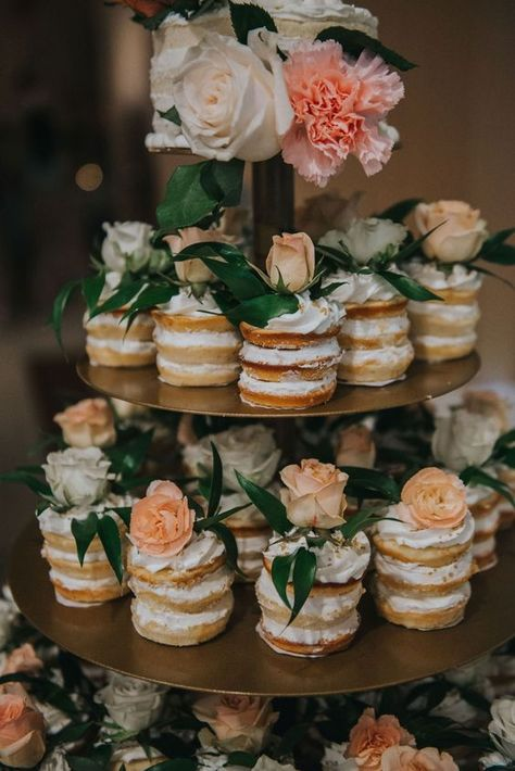 Bridal Shower Decorations 464926361531176454 - Naked cupcakes, peach and gold wedding Source by TomiToms Mini Cakes, Cupcake Cakes, Cupcake Ideas, Wedding Cakes With Cupcakes, Bridal Shower Cupcakes, Shower Cakes, Rustic Wedding Cupcakes, Floral Wedding Cakes, Floral Cake