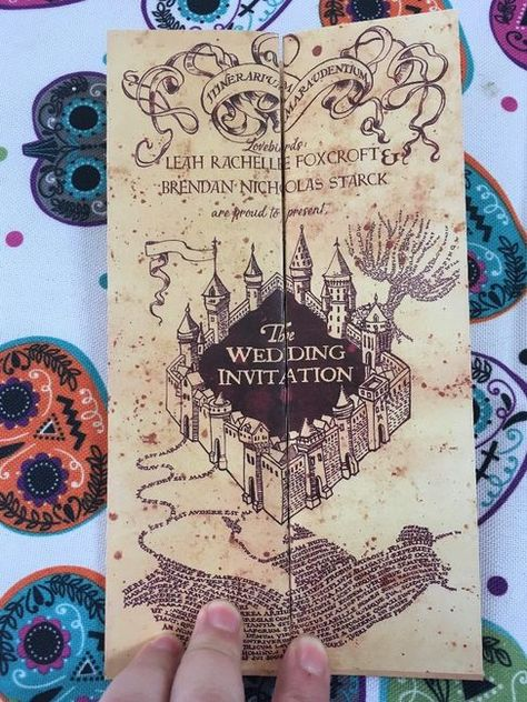 Front of invite diy harry potter wedding invitations 1 Harry Potter Wedding Cakes, Harry Potter Invitations, Theme Harry Potter, Harry Potter Outfits, Harry Potter Gifts, Harry Potter Birthday, Diy Invitations, Wedding Invitation Templates, Invitation Cards