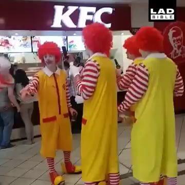 Invasion Of The Clowns Clown Meme Jazz Music Stops Meme Clown Pics