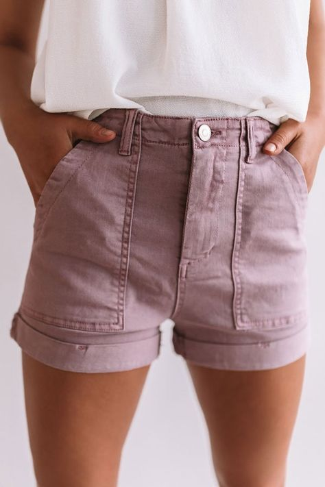 Women Jeans Shorts Outfit Summer Checked Trousers Best Work Pants Used Denim Shorts Black Skinny Jeans Men Summer Shorts Outfits, Shorts Outfits Women, Woman Outfits, Casual Outfits, Cute Outfits, Outfit Summer, Jean Short Outfits, Shorts For Summer, High Waisted Shorts Outfit