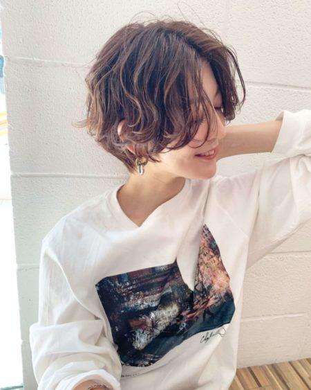 40代のショートヘアスタイル 髪型40選 ハンサムショート パーマ 黒髪 ショート パーマ