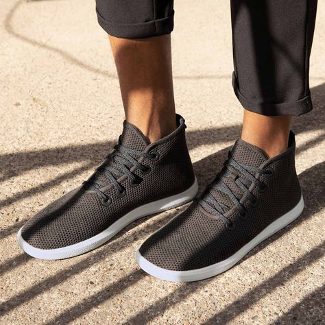Tree Toppers for men are casual high-tops, made to be breathable, and constructed from sustainable and recycled materials. Allbirds keep your feet comfy during your everyday adventures. Tree Toppers are destined to be a comfy, close companion. Mens High Top Shoes, Mens High Tops, Men S Shoes, Allbirds Shoes, Desert Boots Homme, Clarks, Yeezy, How To Make Shoes, Tree Toppers