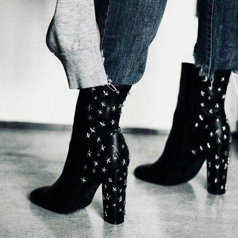 Jeitos modernos de usar botas de cano super alto