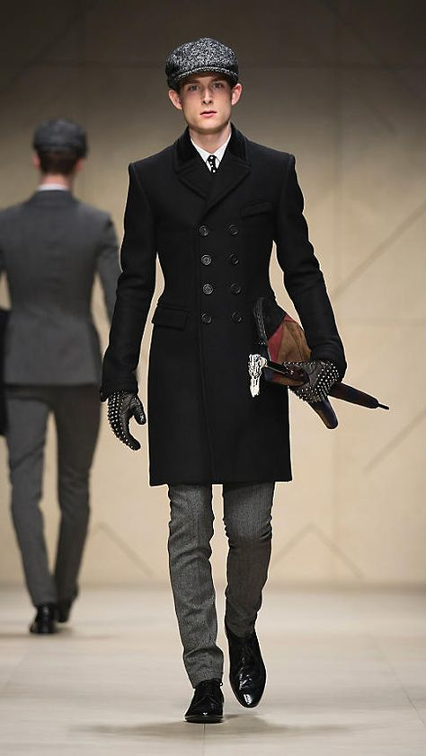 Burberry - STUDDED LEATHER GLOVES