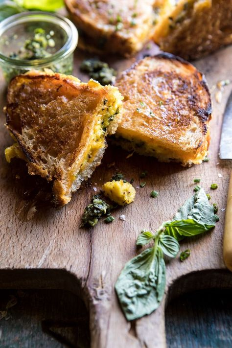 Breakfast Grilled Cheese with Soft Scrambled Eggs and Pesto. - Breakfast Grilled Cheese with Soft Scrambled Eggs and Pesto. Breakfast Desayunos, Breakfast Recipes, Scrambled Eggs Breakfast, Scrambled Egg Bake, Ideas Sándwich, Queso Fundido, Half Baked Harvest, The Best, Cooking Recipes