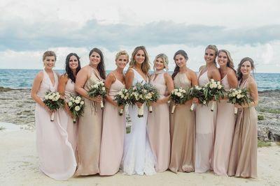 Destination wedding Attire #blushandgraywedding #Cancun #RivieraMaya #DestinationweddingsMexico #MEXpert