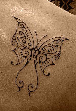 Tatouage de Papillon de Modèle Polynesian sur l'Omoplate d'un Femme  Butterfly Tattoo on Female Shoudler Blade by Manu Farrarons : http://tatouages-polynesiens.polinesia2012.com/ventre-tatouage/
