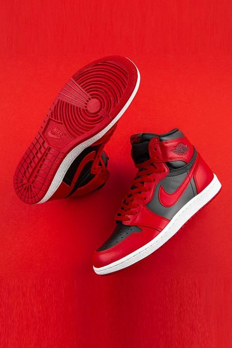 Dr Shoes, Kicks Shoes, Nike Air Shoes, Hype Shoes, Nike Air Jordans, Sneakers Nike, Mens Shoes Jordans, Jordans For Men, Nike Socks