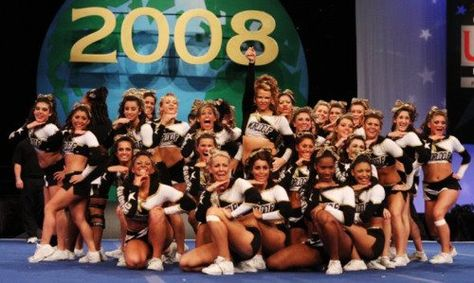 Those Girls That Routine That Is My Inspiration I Don T Know A Lot Of Their Names And I Didn T Know Any Of Them But That Rout Cheerleading Cheer Gymnastics
