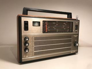 Radio antigua de segunda mano por 25 € en Los Tomillares