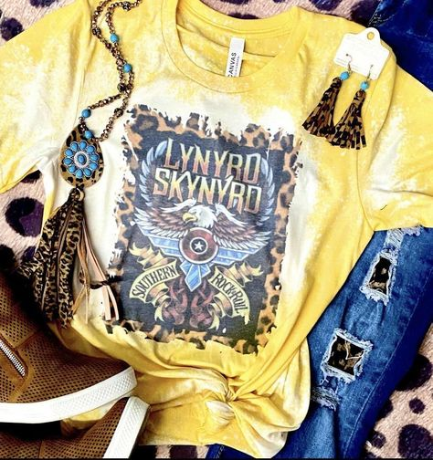 Cute Country Outfits, Country Shirts, Western Shirts, Rodeo Outfits, Western Outfits, Chic Outfits, Western Chic, Western Wear, Cute Shirt Designs