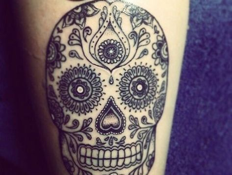 Tatouage Tete De Mort Mexicaine Qui Vivra Calavera Art