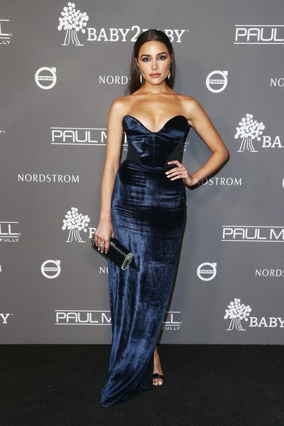 Olivia Culpo attends the 2018 Baby2Baby Gala Presented by Paul Mitchell at 3LABS.