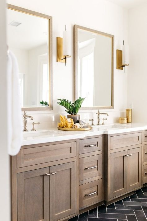 Double Bathroom Vanity Designs Ideas - Have you taken into consideration a double sink bathroom vanity? Right here is ideal 10 awesome and also imaginative double sink vanity designs ideas and also images of restrooms with double sinks. Bathroom Flooring, Bathroom Fixtures, Bathroom Cabinets, Bathroom Mirrors, Gold Bathroom, Master Bathrooms, Remodel Bathroom, Vanity Mirrors, Bathroom Remodeling