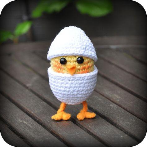 Chicken in egg, Free pattern
