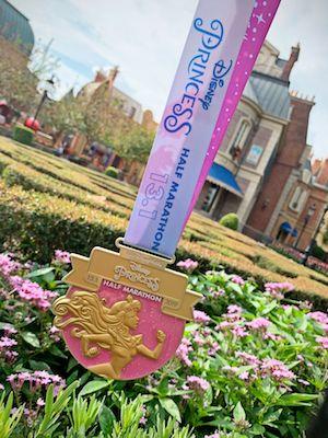 Pin Run Disney Princess Half Marathon Weekend 2019 Enchanted 10K Medal Mulan NOC