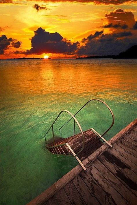 #Sunset at The Maldives | © caitlin