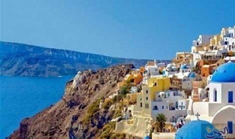 جزر سانتوريني اليونانية في البحر المتوسط الأكثر جميعنا نحلم بإجازة إم ا في مدينة ساحلية أو في جزيرة تمنحنا الك Places To Travel Places To Go Dream Vacations