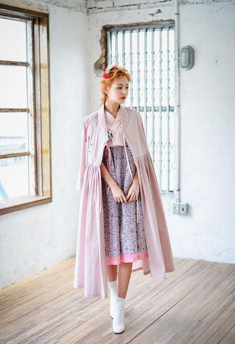 Modern hanbok 858410b563cdb7eba68af2ab207fc0c6