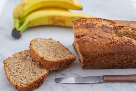 Flours Banana Bread, Paleo Banana Bread, Protein Bread, Vegan Protein, Keto Bread, Yummy Snacks, Delicious Desserts, Dessert Recipes, Yummy Food