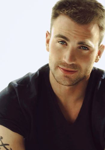 Chris Evans... Captain America.