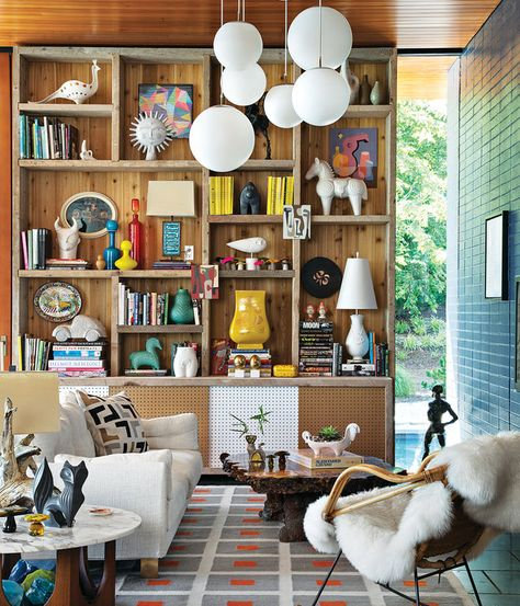Living room / 煤けた風合いのあるリビングのシンプルな収納棚