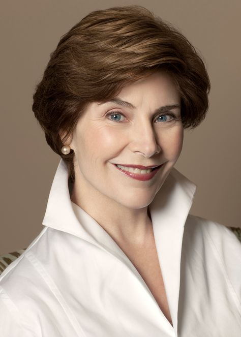 Former First Lady Laura Bush...great classic style.