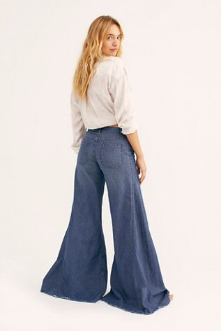 Extreme Vintage Flare Jeans Casual Style Outfits Jeans Outfit Casual Cocktail Party Attire