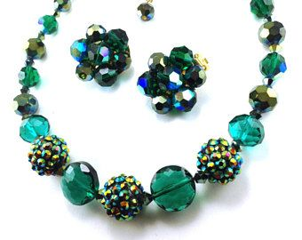 Necklace with Matching Earrings Vintage Green Black Confetti Lucite Thermoset Plastic Gold Tone Metal Necklace and Clip On Earrings Set