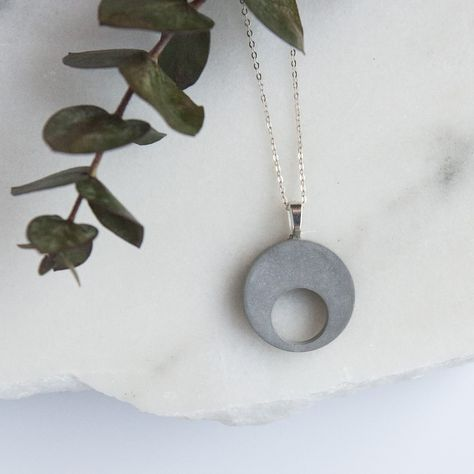 Sterling silver bar necklace, featuring a minimalist concrete pendant of horizontal bar. This contemporary necklace is modern and chic, perfect gift for architects. Line necklace
