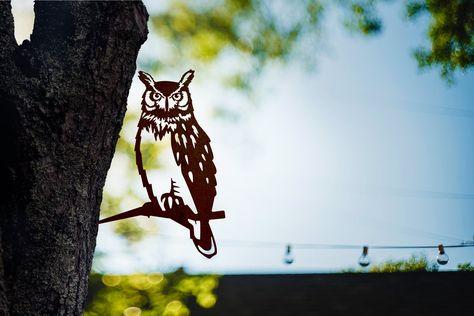Great Horned Owl, Garden Whimsy, Metal Birds, Outdoor Art, Outdoor Stuff, Outdoor Decor, Banksy, Yard Art, Metal Art