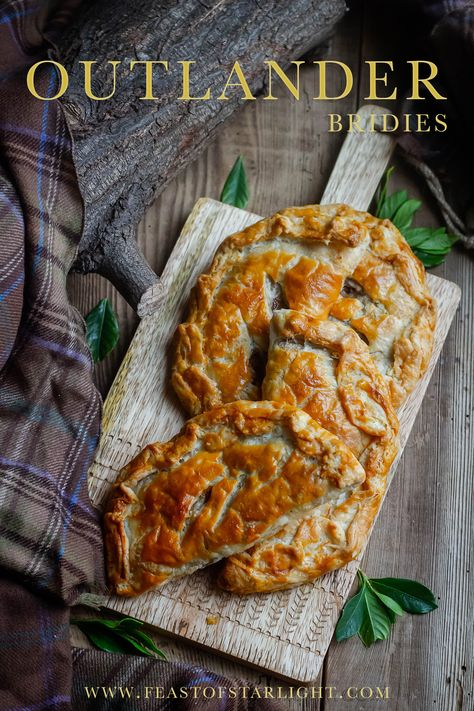 Outlander: Brianna's Bridies recipe inspired by the Outlander book series. Brianna's bridies are from the fourth book, Drums of Autumn, by Diana Gabaldon. Scottish Recipes, Irish Recipes, Beef Recipes, Cooking Recipes, Russian Recipes, Scottish Steak Pie Recipe, Curry Recipes, British Food Recipes, Gastronomia