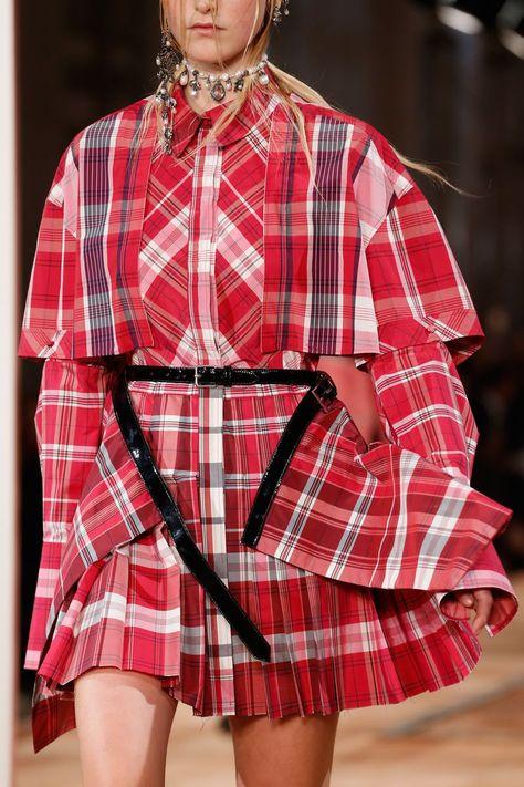 Paris Fashion Week: Alexander McQueen Spring/Summer 2018 Ready To Wear
