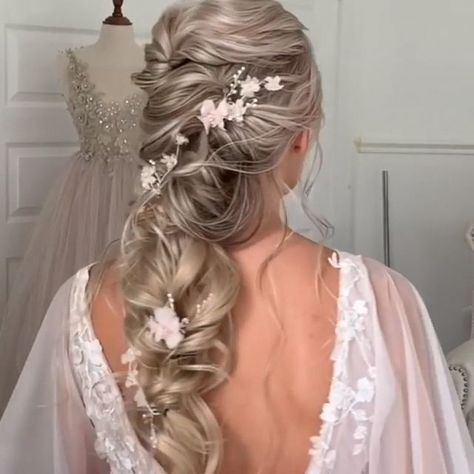 For more updos video tutorial just click to video! #updos #videotutorial #hairtutorial #hairvideos #ombre - #click #tutorial #updos #video #VideoTutorial - #HairstyleCasual